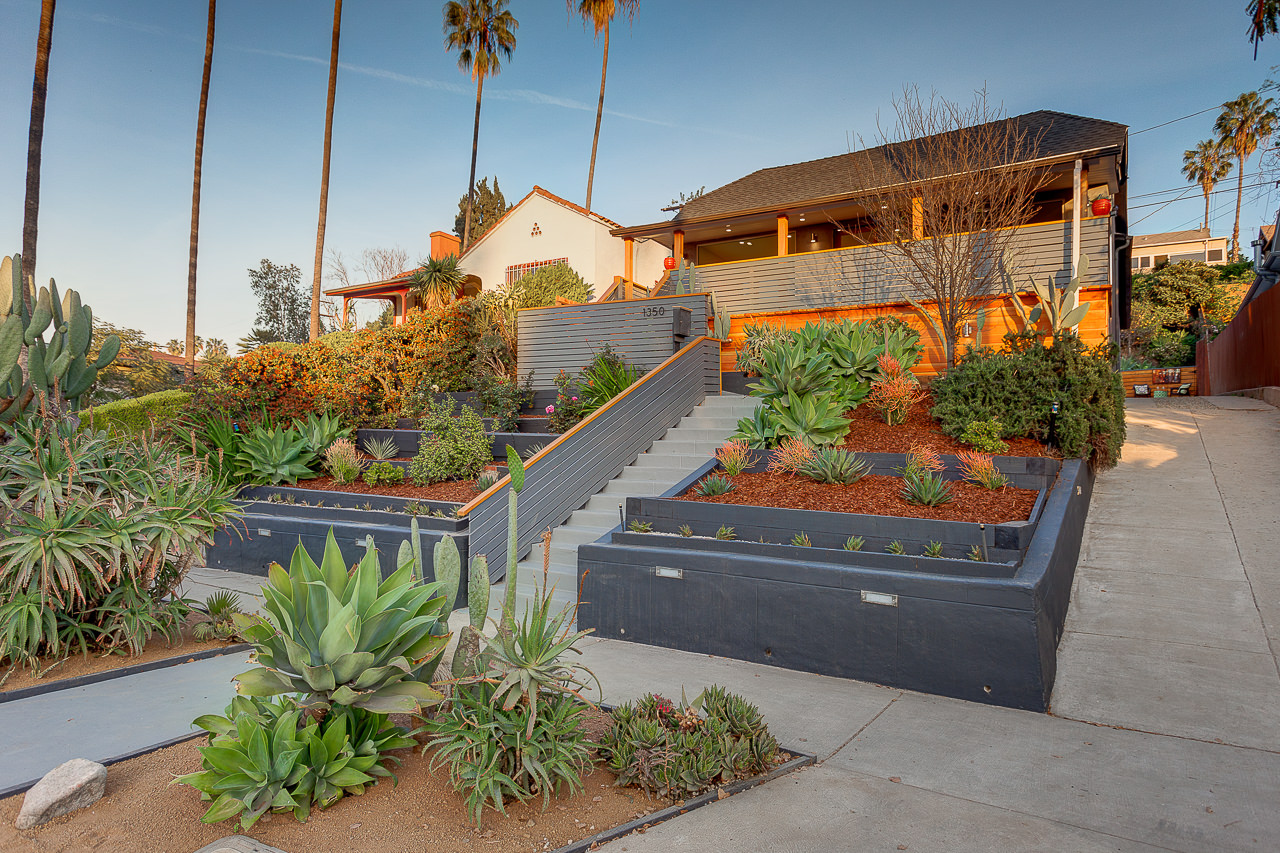 1350 Coronado Terrace